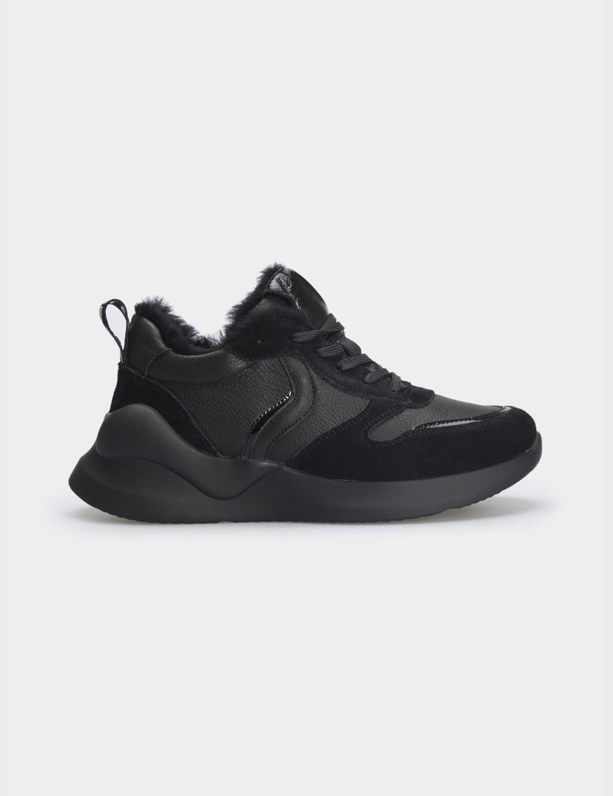 Кросівки чорні. Натуральна шкіра/замша. Вовна