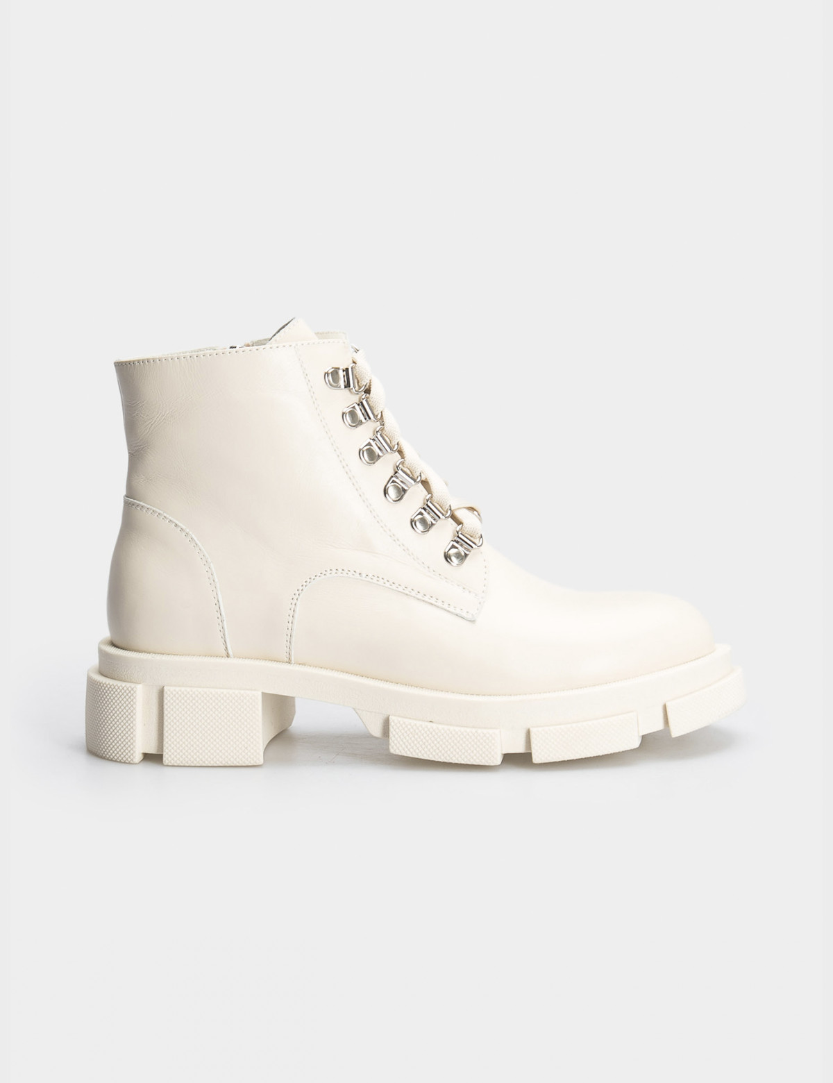 Ботинки бежевые. Натуральная кожа. Байка