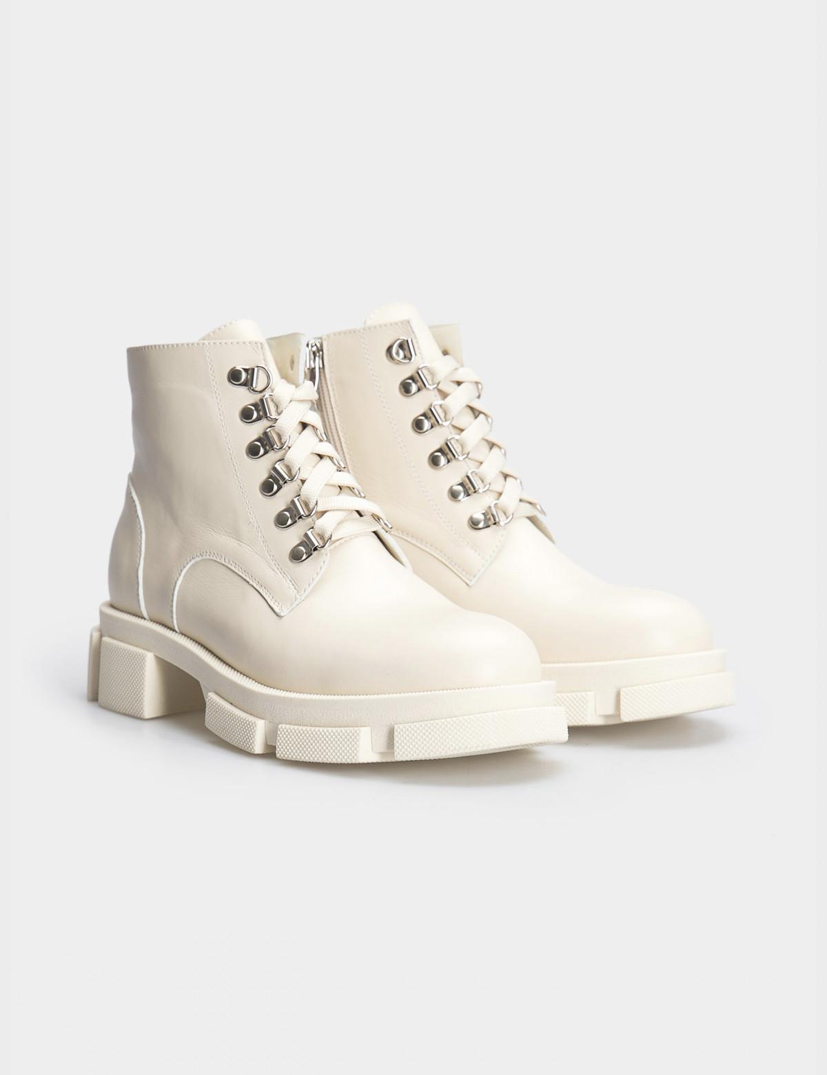 Ботинки бежевые. Натуральная кожа. Байка1