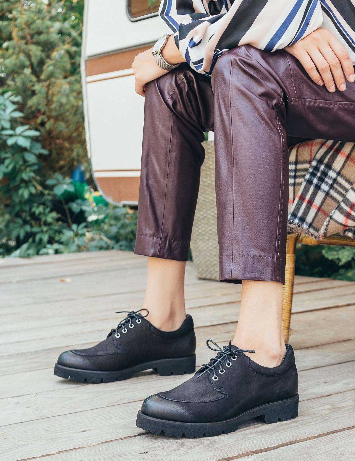 Туфлі чорні. Натуральний нубук2