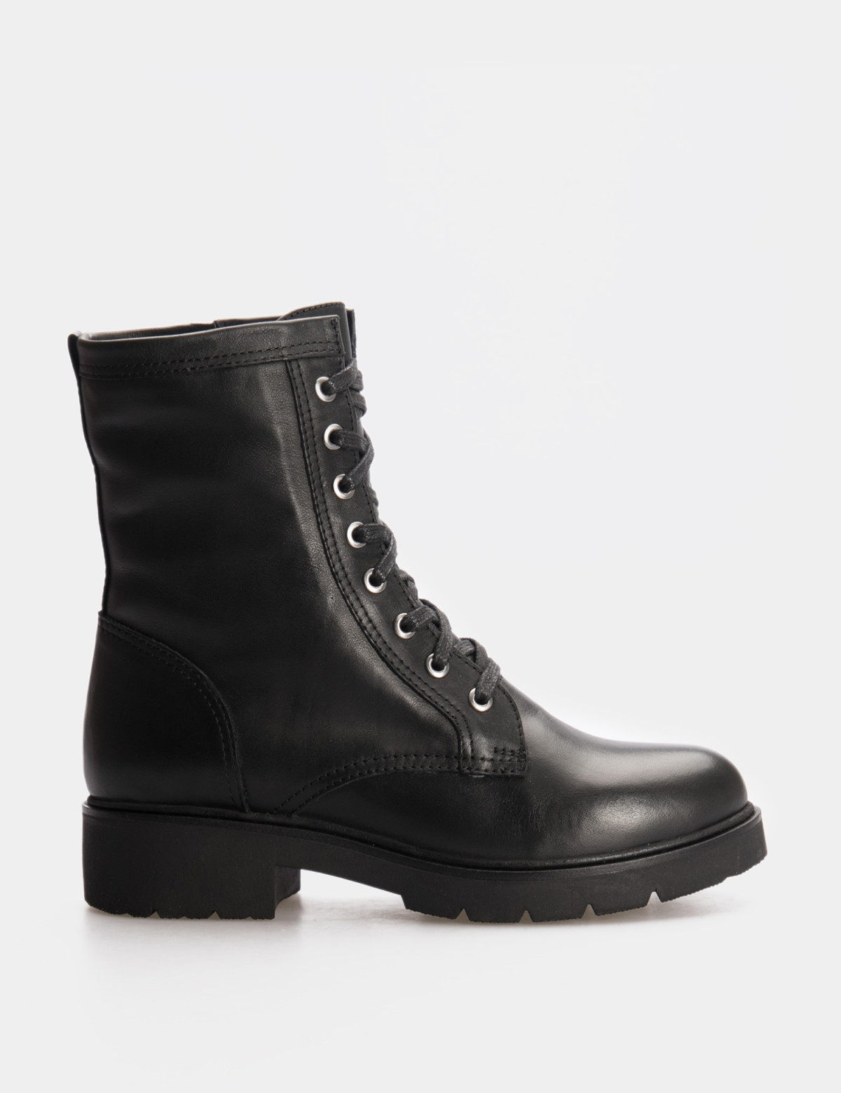 Ботинки черные. Натуральная кожа. Искуственный мех