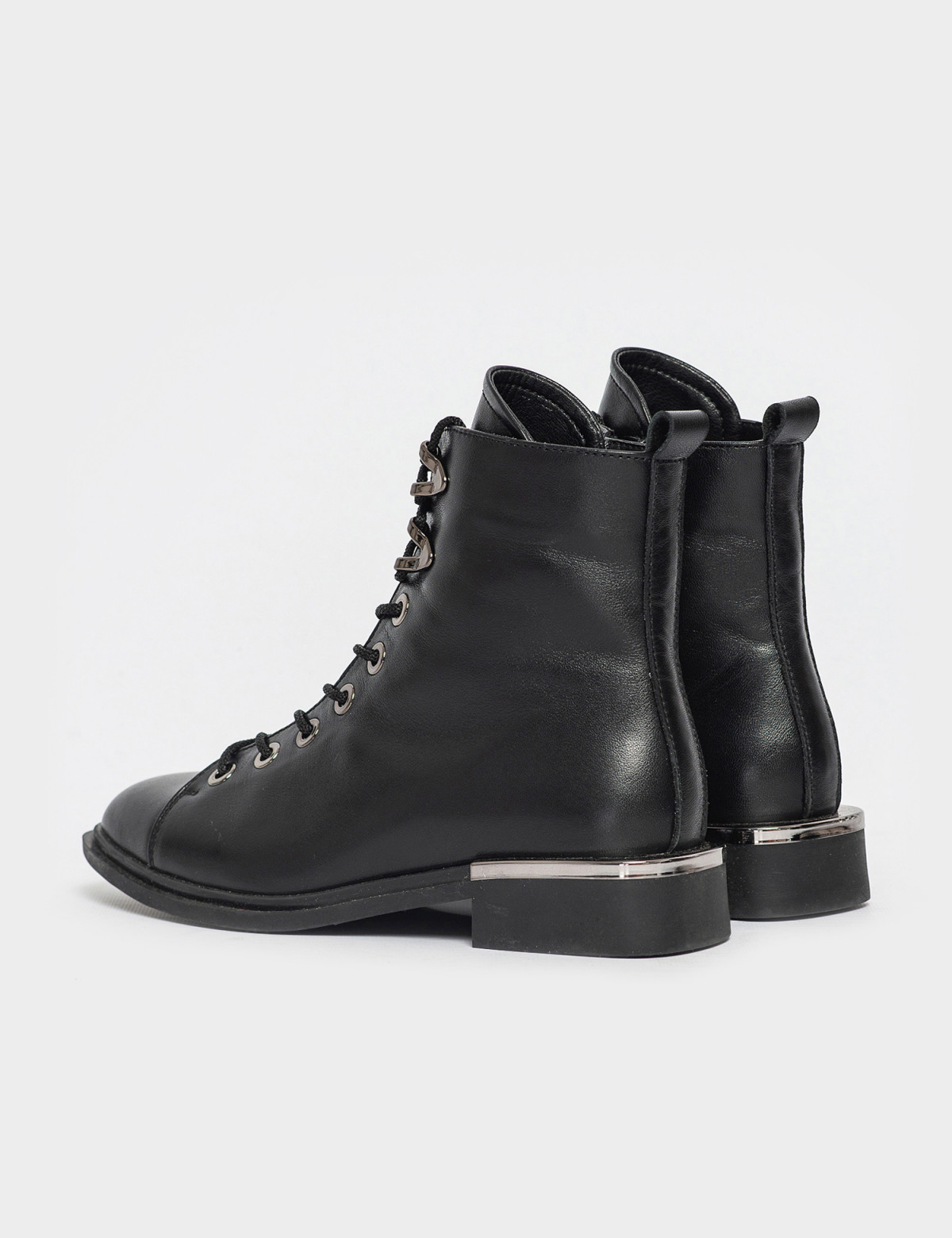 Ботинки черные. Натуральная кожа. Байка2