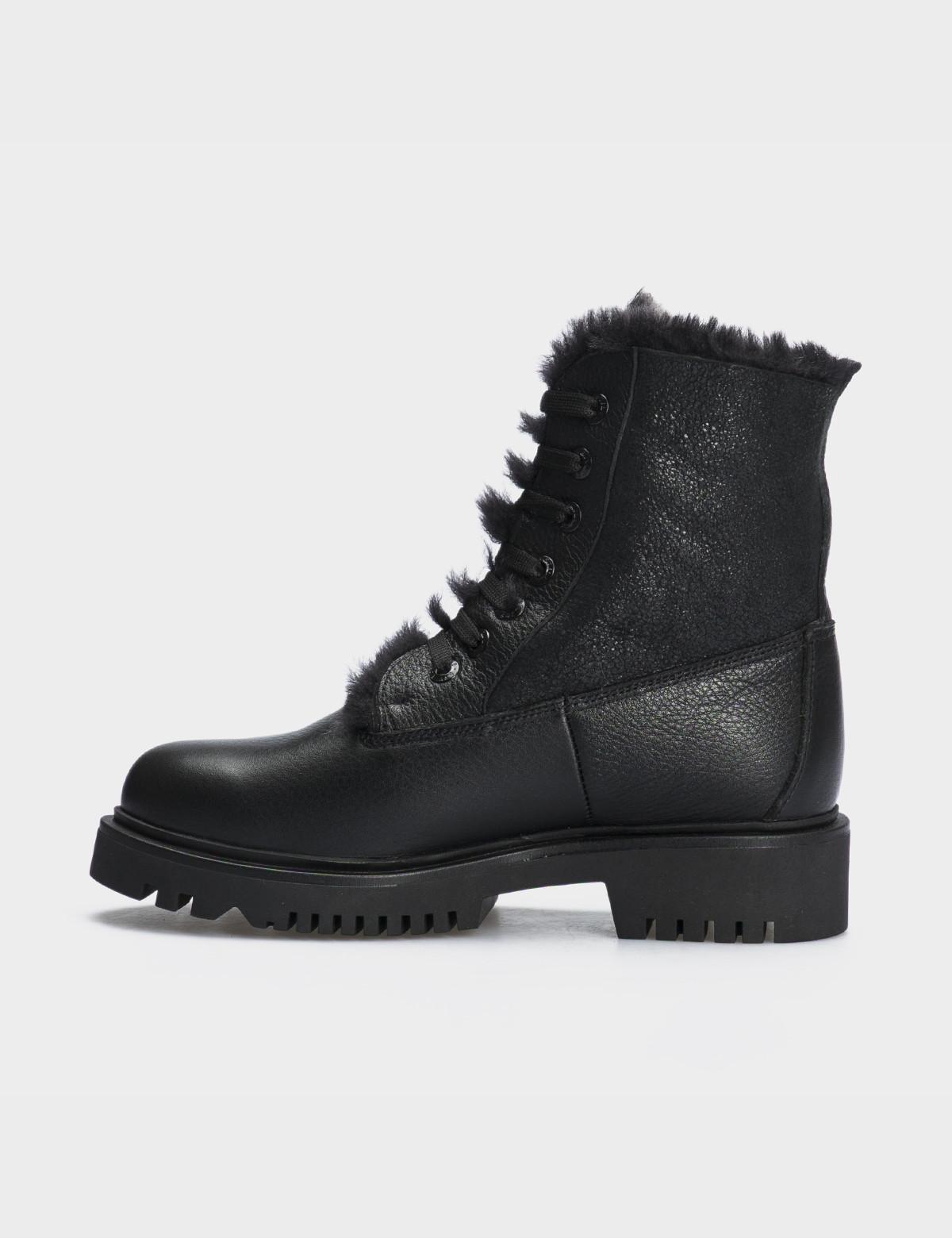 Ботинки черные,натуральная кожа. Шерсть3