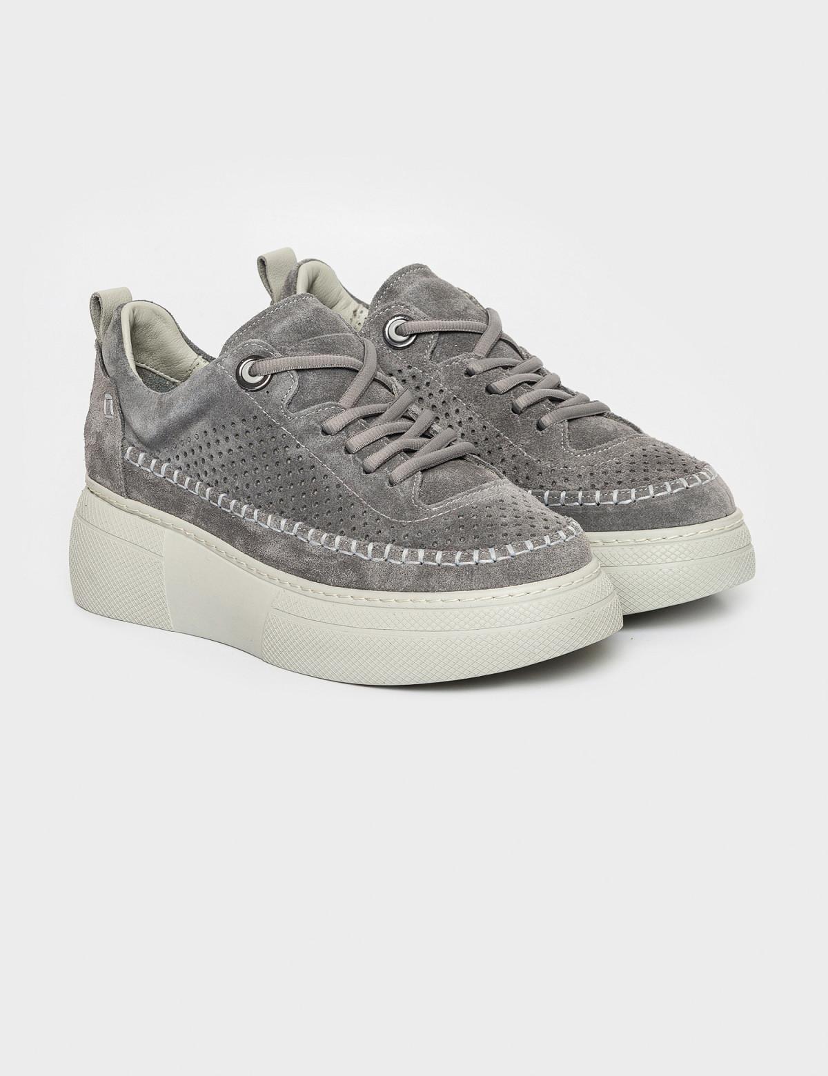 Кросівки сірі. Натуральна замша1