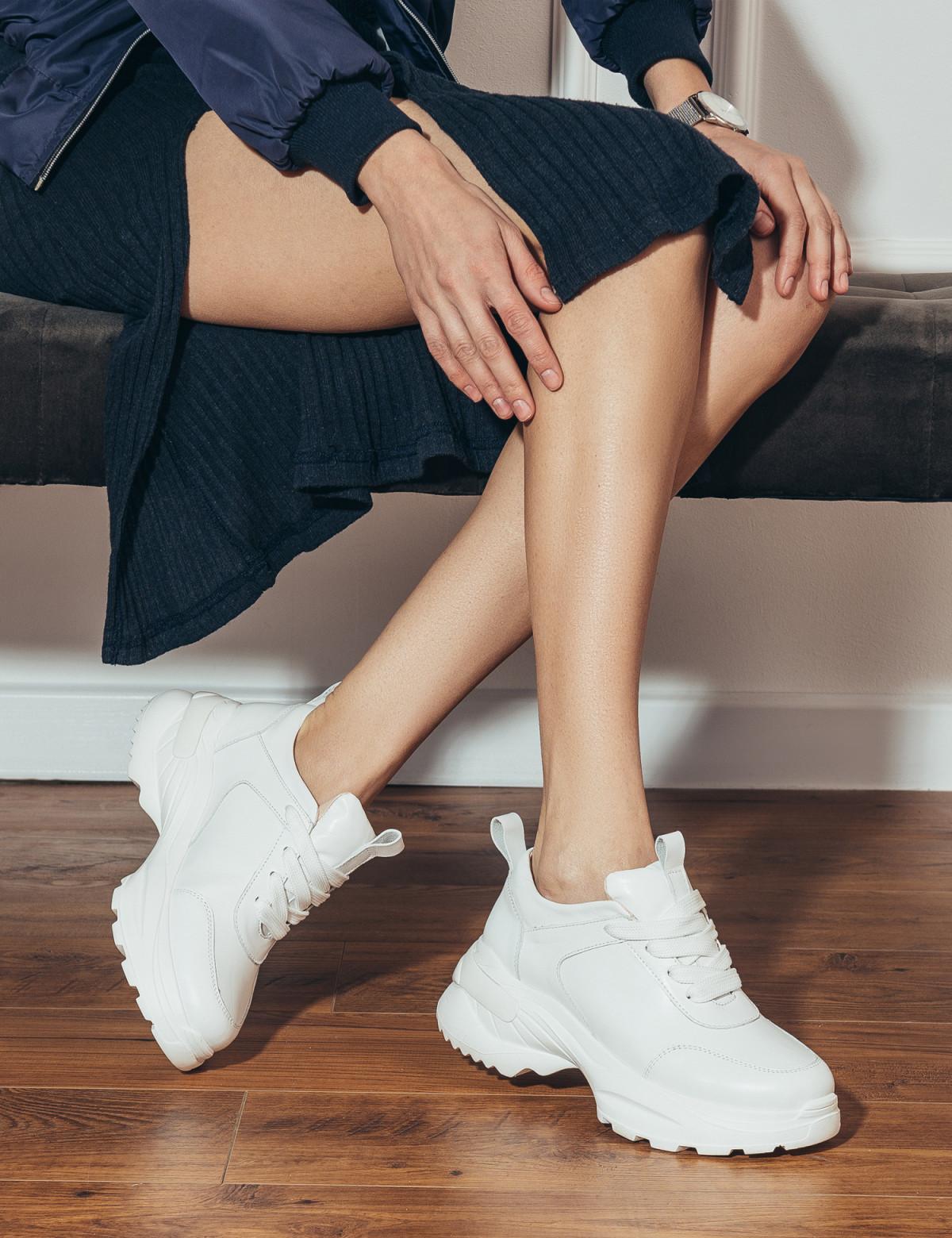 Кросівки білі. Натуральна шкіра5