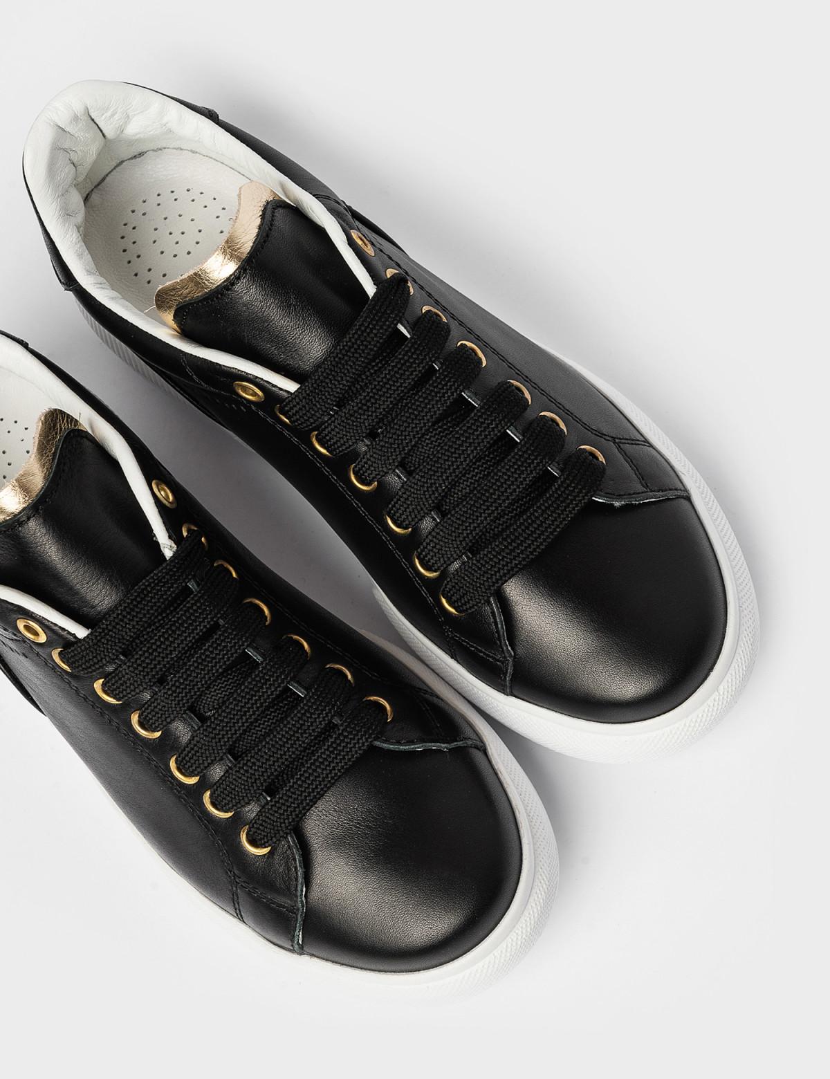 Кросівки чорні. Натуральна шкіра3
